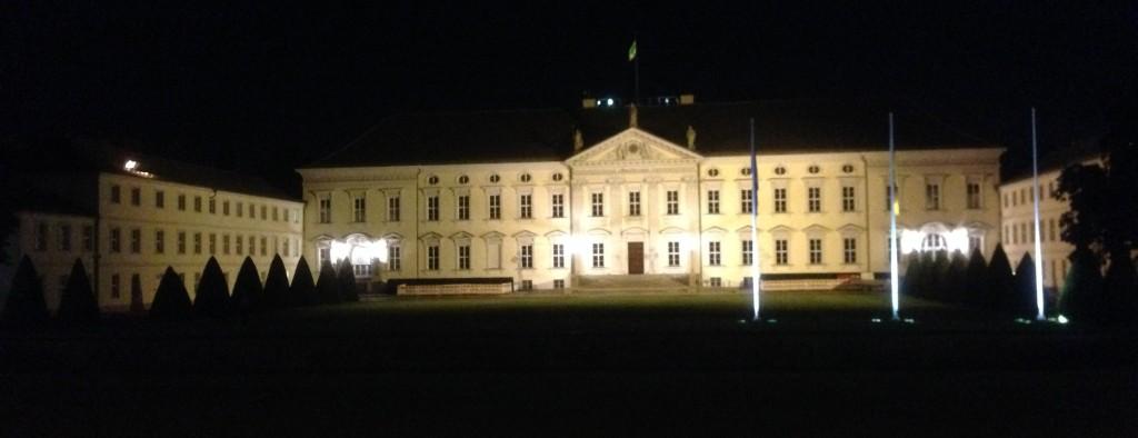 Schloss Bellevue bei Nacht